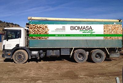 Camión con Sinfin Elevador